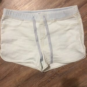 Breathable Jean shorts with lace